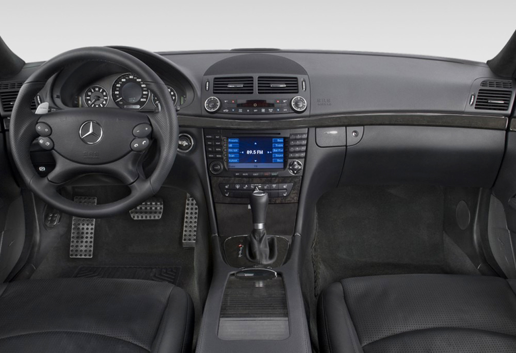 2008-mercedes-benz-e-class-4-door-wagon-6-3l-amg-rwd-dashboard_100282795_l.jpg